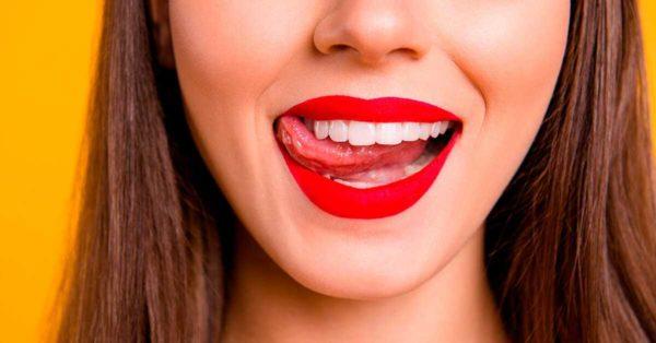 zuby ulybka devushka